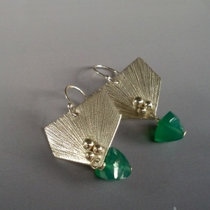 green onyx and sterling silver fletching earrings